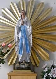 La Virgen en el Sol