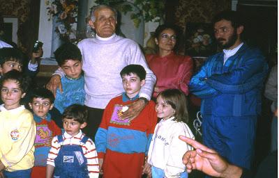 Nonno Eugenio e papà con bambini