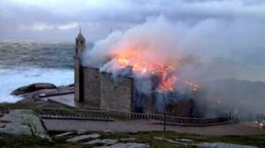 Chiesa della galizia colpita dal fulmine Madonnina della Barca
